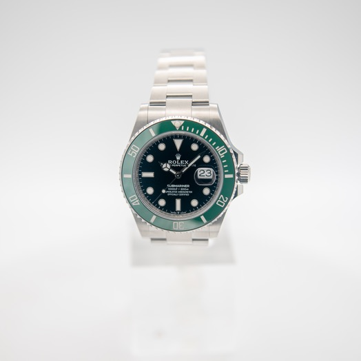 Rolex Submariner Date Oystersteel New Model 2020 Automatic Black Dial Green Bezel Men's Watch 126610LV-0002