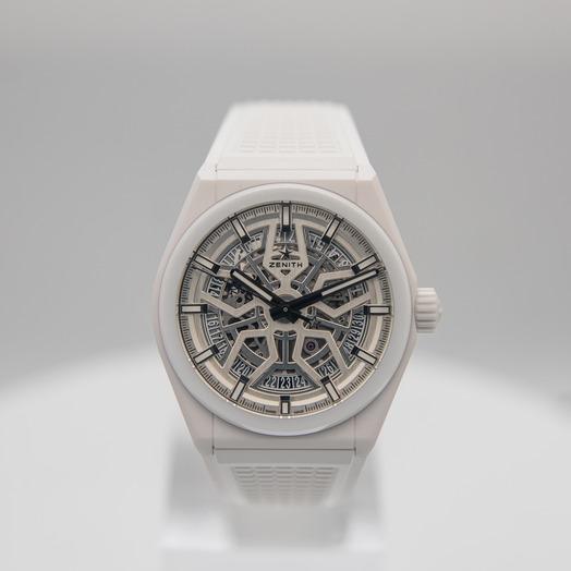 Zenith Zenith Defy Classic  White Dial Mens Watch 41mm 49.9002.670/01.R792