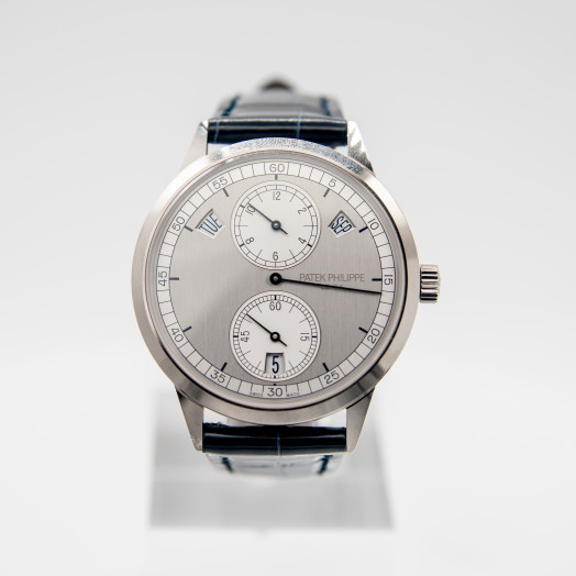 Patek Philippe Complications Silver Dial 18K White Gold Men's Calendar Watch 5235G-001