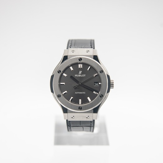 Hublot Classic Fusion Automatic Grey Dial Titanium Men's Watch 565.NX.7071.LR