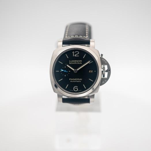 Panerai Luminor Marina Automatic Black Dial Black Leather Men's Watch PAM02392